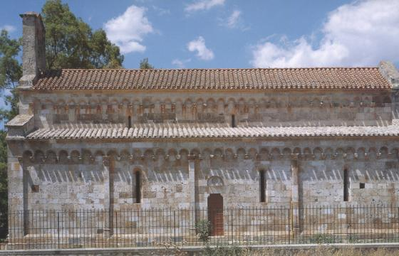 Uta, chiesa romanica di Santa Maria