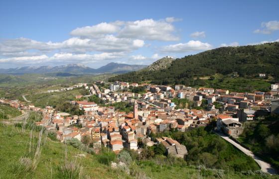 Panoramica del paese di Bitti
