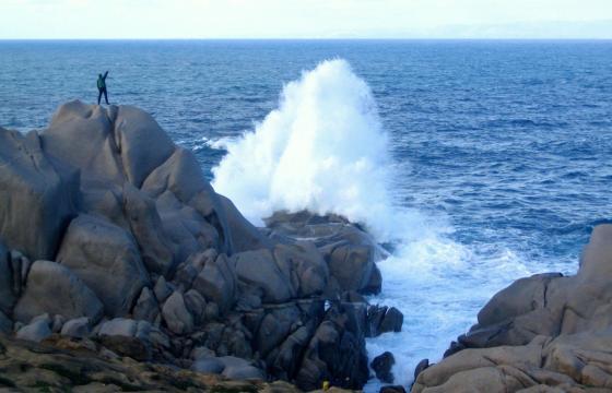 Gli aspri massi granitici di Cala Grande