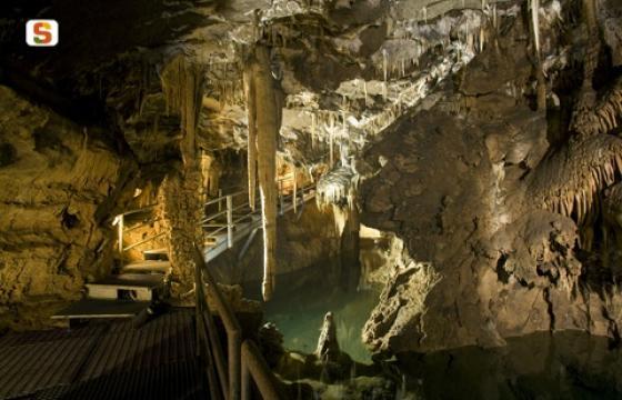 Grotte Su Mannau