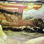 Domus de janas di Mandra Antine: affresco parietale con schema taurino