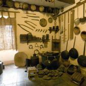 """Macomer, Museo etnografico """"Le arti antiche"""". La stanza del pastore"""