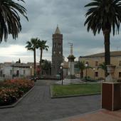 Milis, Piazza e Campanile di San Sebastiano