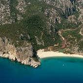 Dorgali, veduta aerea spiaggia di Cala Luna