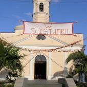 San Nicolò d'Arcidano, chiesa addobbata per Sant'Isidoro
